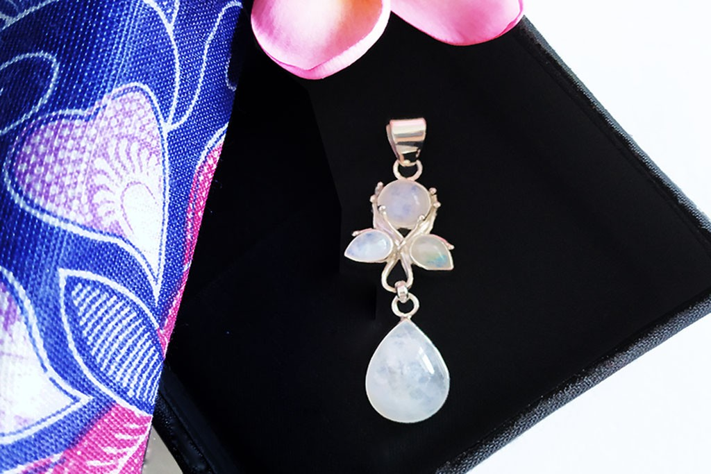 Pendant Moonstone and Silver 925 - BUTTERFLY